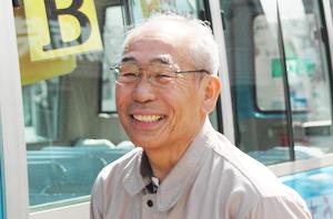 青バス運転手_吉田薫先生